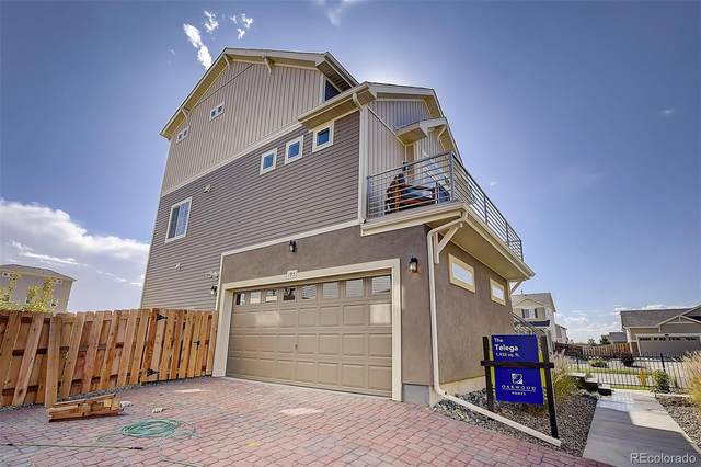 195 S Oak Hill Street, Aurora, CO 80018 (#8580430) :: The DeGrood Team