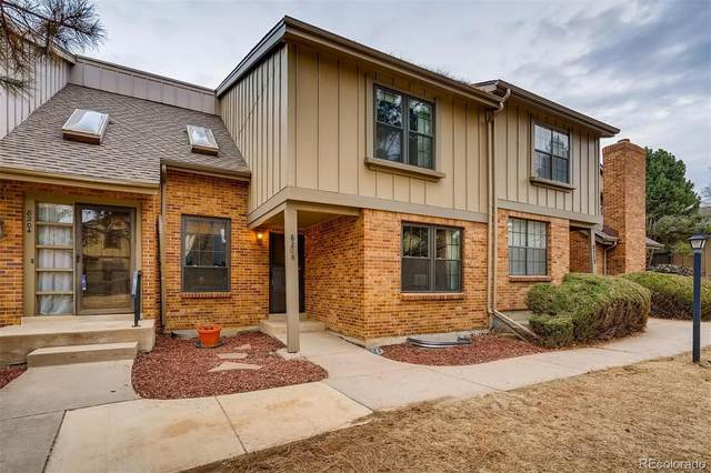 8208 E Phillips Place, Centennial, CO 80112 (#8703288) :: The Harling Team @ HomeSmart