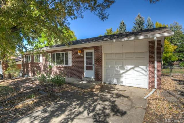 9243 W 66th Place, Arvada, CO 80004 (#9021932) :: The DeGrood Team