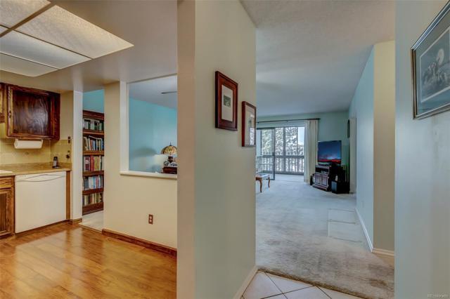 13691 E Marina Drive #206, Aurora, CO 80014 (#9402194) :: 5281 Exclusive Homes Realty