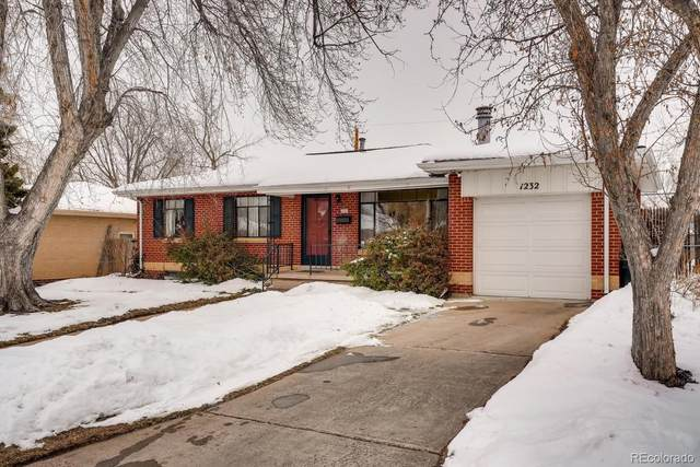 1232 S Fenton Street, Lakewood, CO 80232 (#9517464) :: Compass Colorado Realty