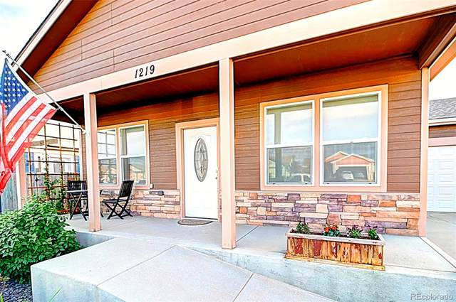 1225 4th Avenue, Deer Trail, CO 80105 (#9779549) :: The DeGrood Team
