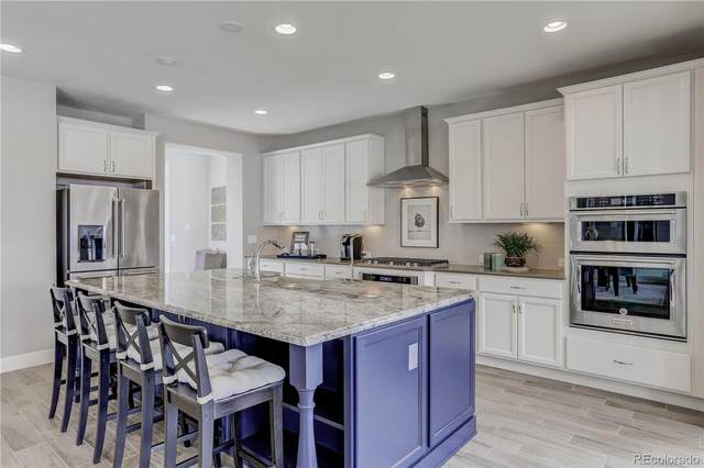 8171 S Langdale Way, Aurora, CO 80016 (#9892913) :: Bring Home Denver with Keller Williams Downtown Realty LLC