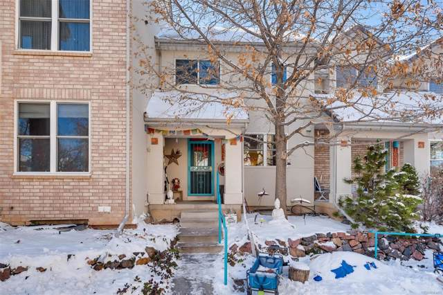 1635 W Canal Court, Littleton, CO 80120 (#9899021) :: Bring Home Denver with Keller Williams Downtown Realty LLC