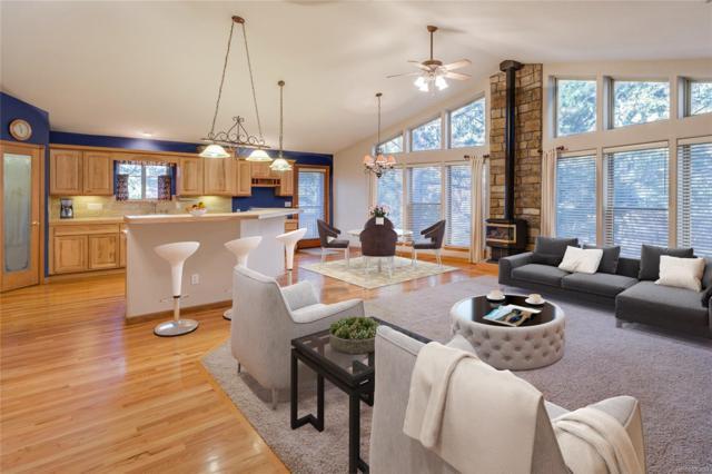 899 Cottonwood Lane, Larkspur, CO 80118 (MLS #9952739) :: 8z Real Estate