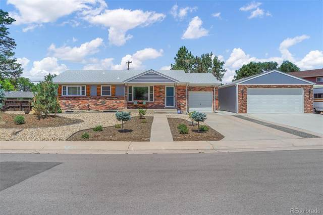 1605 E Noble Place, Centennial, CO 80121 (MLS #1556989) :: Clare Day with Keller Williams Advantage Realty LLC