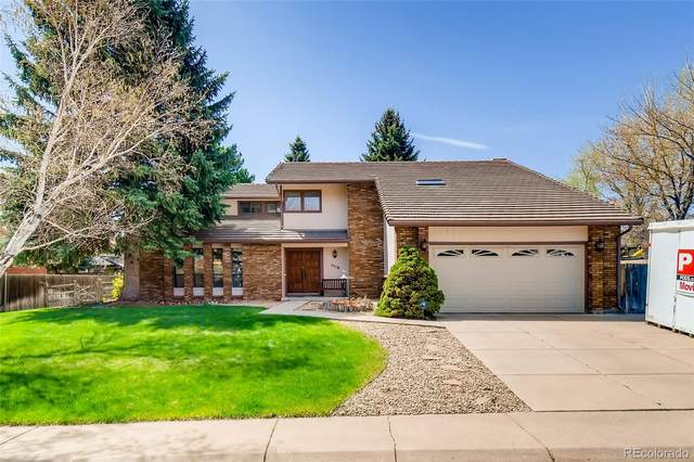 7718 W Chestnut Place, Littleton, CO 80128 (#2678894) :: The Gilbert Group