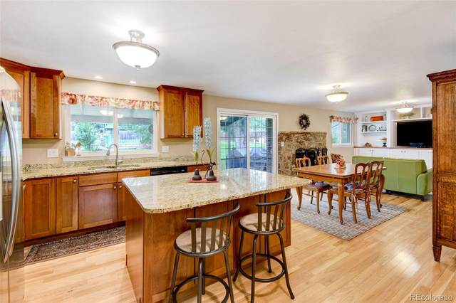 1598 W Meadowbrook Road, Littleton, CO 80120 (#3951483) :: The Griffith Home Team