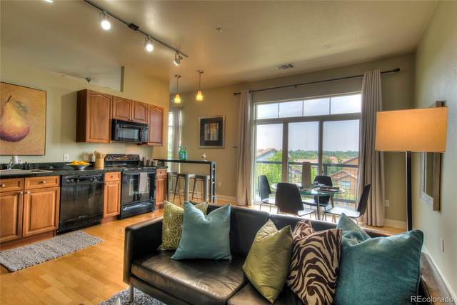 5677 S Park Place Avenue 204D, Greenwood Village, CO 80111 (#4018106) :: The DeGrood Team
