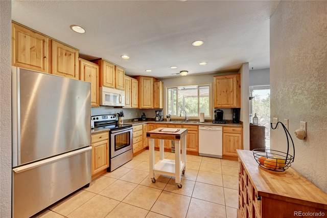 12221 Viewpoint Drive, Lakewood, CO 80401 (#4234433) :: Berkshire Hathaway HomeServices Innovative Real Estate