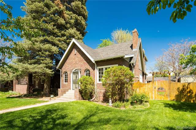 2356 Holly Street, Denver, CO 80207 (MLS #5066929) :: Clare Day with Keller Williams Advantage Realty LLC