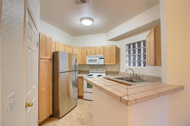 1652 W Canal Circle #521, Littleton, CO 80120 (MLS #5078358) :: 8z Real Estate