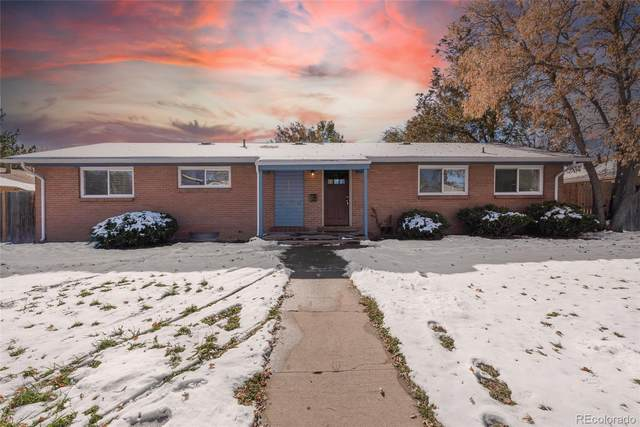 9580 W 52nd Avenue, Arvada, CO 80002 (#5358993) :: James Crocker Team
