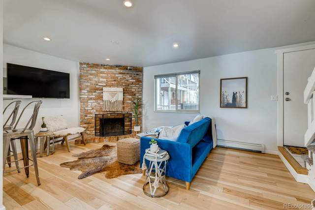 2700 S Holly Street #218, Denver, CO 80222 (#5630882) :: Chateaux Realty Group
