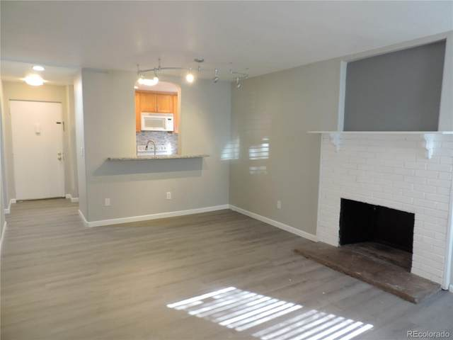 9797 E Peakview Avenue C01, Englewood, CO 80111 (#9400264) :: The HomeSmiths Team - Keller Williams