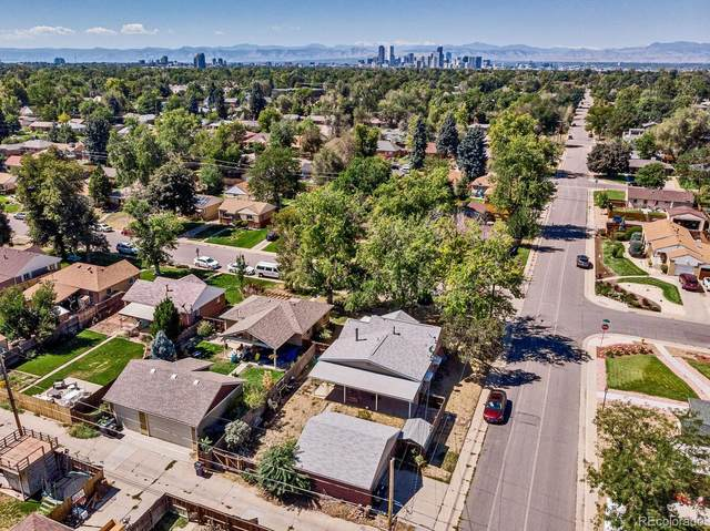 2990 Hudson Street, Denver, CO 80207 (#9904758) :: Portenga Properties - LIV Sotheby's International Realty