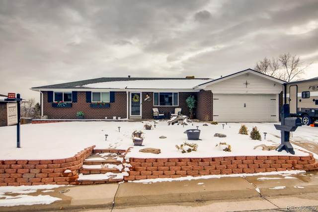8232 W 70th Place, Arvada, CO 80004 (#4119147) :: The DeGrood Team