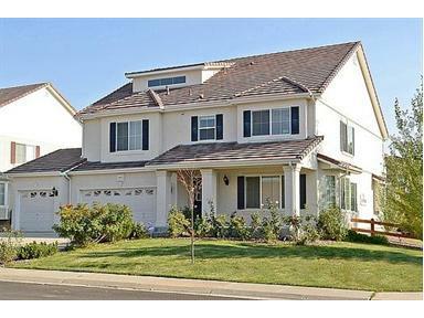 16814 E Weaver Lane, Aurora, CO 80016 (#1130239) :: The HomeSmiths Team - Keller Williams