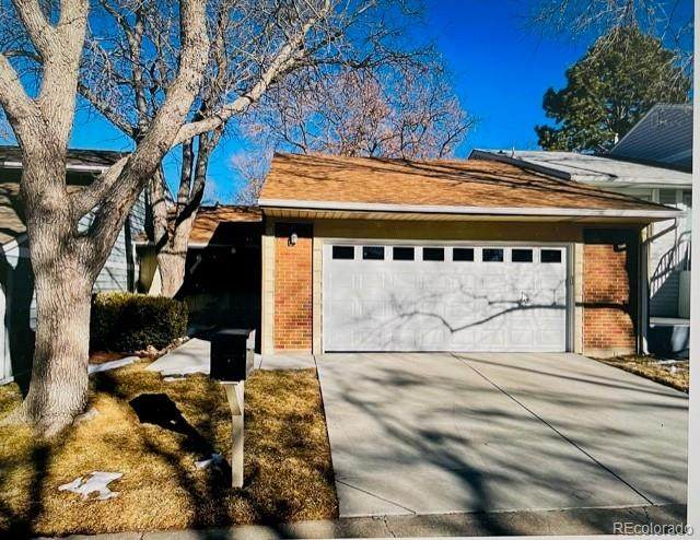 7482 W Cedar Circle, Lakewood, CO 80226 (MLS #1891960) :: Wheelhouse Realty
