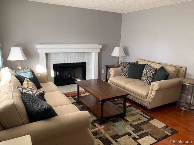1403 S Biscay Way, Aurora, CO 80017 (#2245938) :: 5281 Exclusive Homes Realty