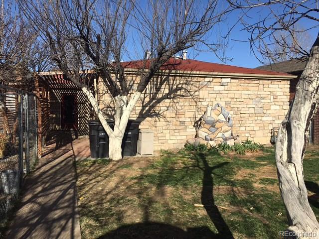 1559 Hooker Street, Denver, CO 80204 (#2409605) :: The DeGrood Team