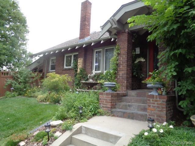 2601 N Clayton Street, Denver, CO 80205 (#3347608) :: Bring Home Denver