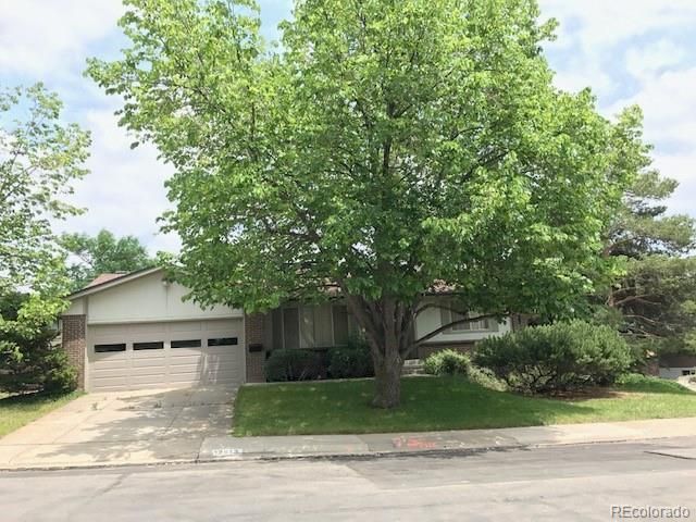 12613 W Hawaii Avenue, Lakewood, CO 80228 (#3429653) :: Colorado Team Real Estate