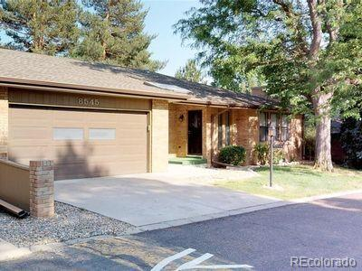 8545 W 8th Avenue, Lakewood, CO 80215 (#3570620) :: Sellstate Realty Pros