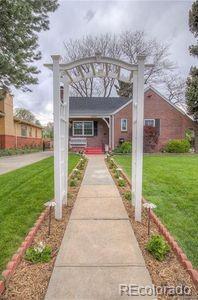 2351 Krameria Street, Denver, CO 80207 (#3767199) :: The Griffith Home Team