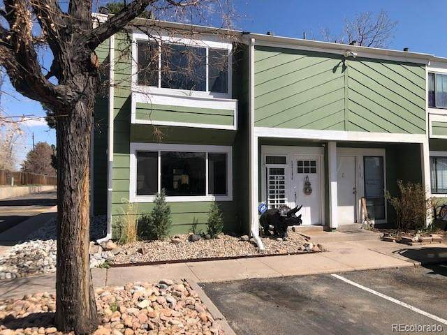 12194 E Kepner Place, Aurora, CO 80012 (#4314635) :: The Peak Properties Group