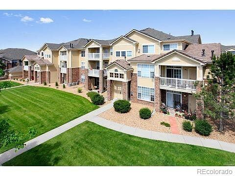 5735 N Genoa Way 11-303, Aurora, CO 80019 (#4315400) :: My Home Team