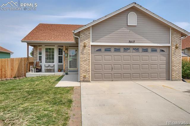 7417 Farmcrest Road, Colorado Springs, CO 80925 (#4740732) :: The Peak Properties Group