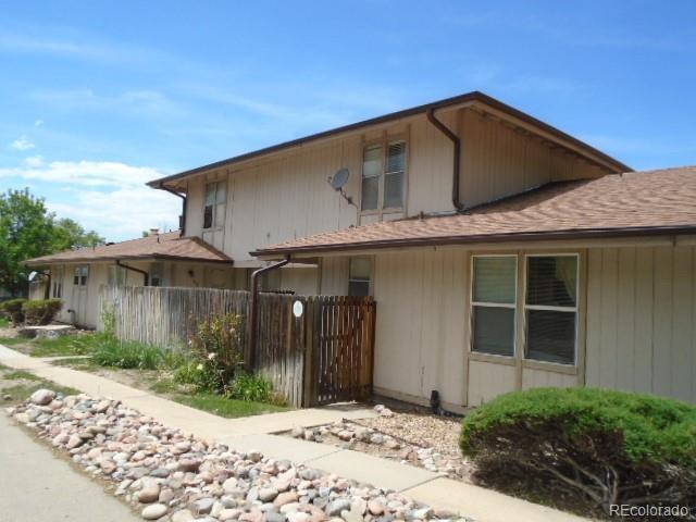 234 S Newark Circle, Aurora, CO 80012 (#5055637) :: Bring Home Denver with Keller Williams Downtown Realty LLC