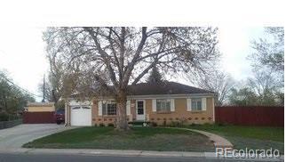 5915 W Louisiana Avenue, Lakewood, CO 80232 (#5167453) :: Bring Home Denver