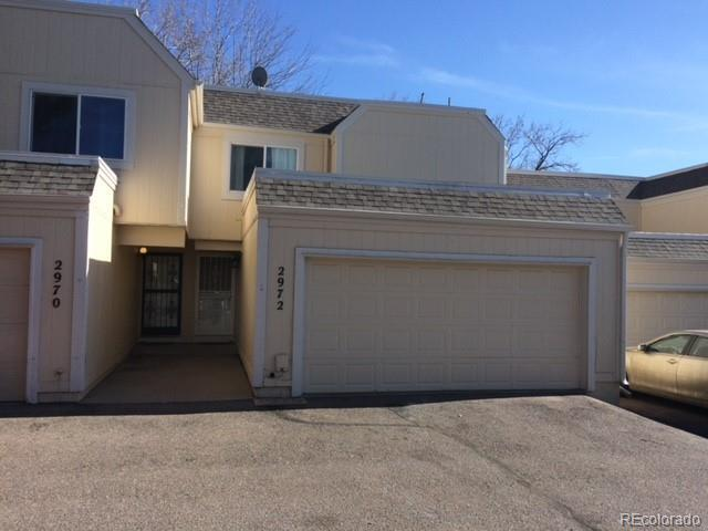 2972 S Parker Court, Aurora, CO 80014 (#5235563) :: The Peak Properties Group