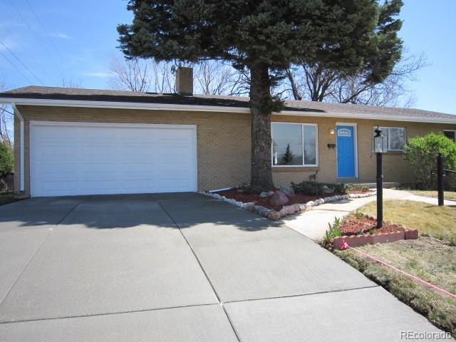 2704 S Zurich Court, Denver, CO 80236 (#5344123) :: The Pete Cook Home Group