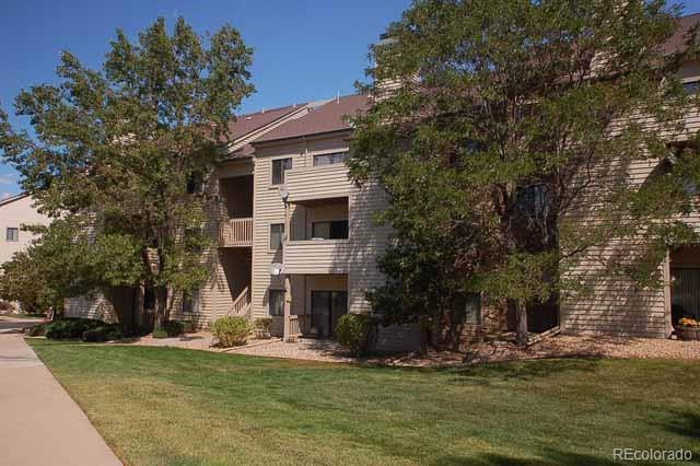 7468 S Alkire Street #205, Littleton, CO 80127 (#5497929) :: Hometrackr Denver