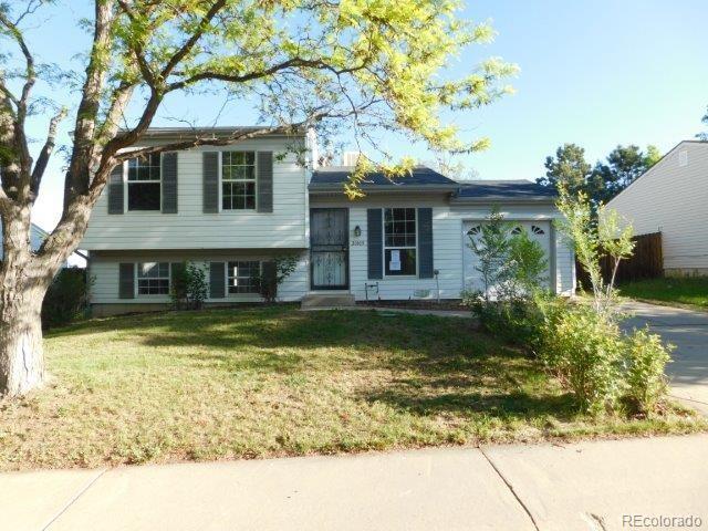 20105 E Coolidge Drive, Aurora, CO 80011 (#5555105) :: Wisdom Real Estate