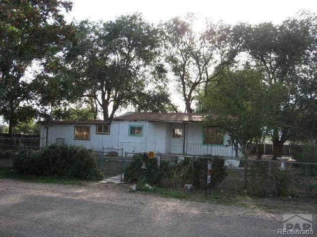 1721 Delphil Street, Pueblo, CO 81006 (#5926490) :: The DeGrood Team