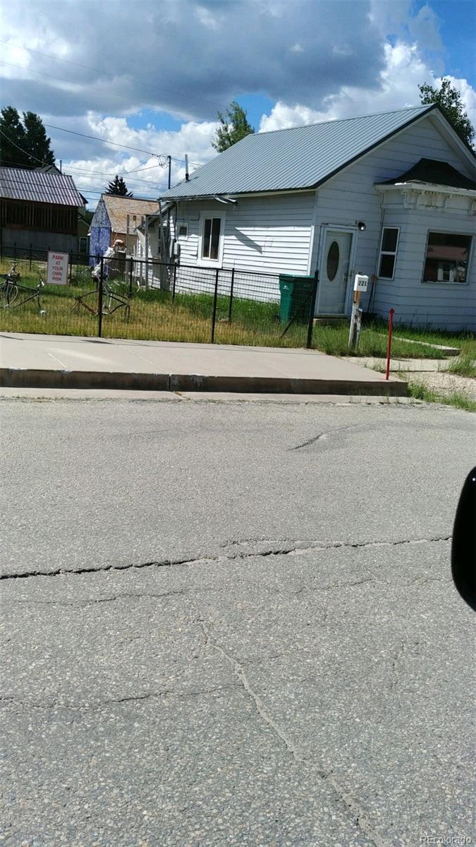 221 5th Street - Photo 1