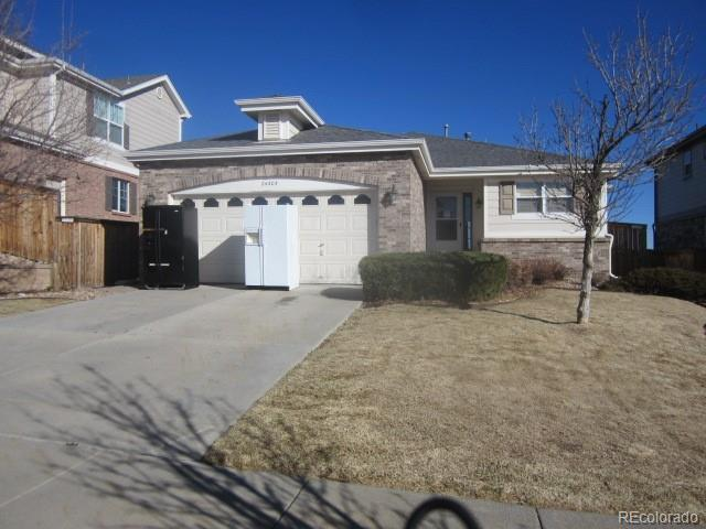 24305 E Wagon Trail Avenue, Aurora, CO 80016 (#7120995) :: The Peak Properties Group