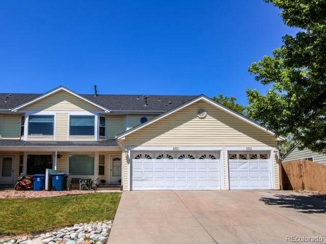 8421 S Reed Street, Littleton, CO 80128 (#7527578) :: The Colorado Foothills Team | Berkshire Hathaway Elevated Living Real Estate