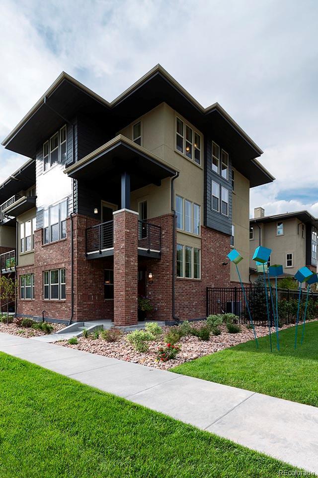 6485 E Cedar Avenue, Denver, CO 80224 (#7702495) :: Sellstate Realty Pros