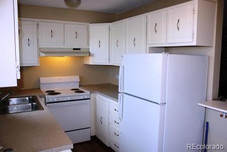 5401 E Warren Avenue #209, Denver, CO 80222 (#7849057) :: HomeSmart Realty Group
