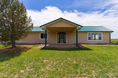 31136 County Road 18, Keenesburg, CO 80643 (#7926266) :: The Griffith Home Team