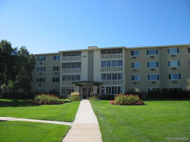 655 S Alton Way 4C, Denver, CO 80247 (#8043989) :: The Tamborra Team