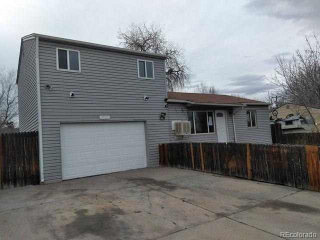 7821 Newport Street, Commerce City, CO 80022 (#8062810) :: Structure CO Group