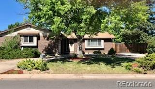 1901 S Carr Street, Lakewood, CO 80227 (#8227810) :: The DeGrood Team