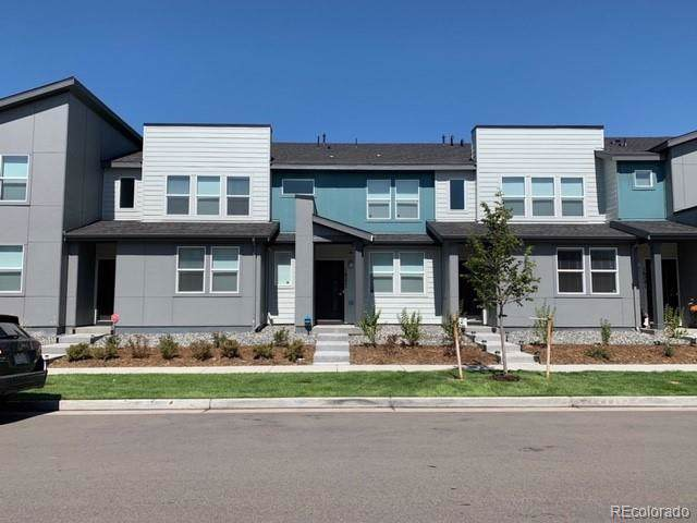 16221 E Warner Place, Denver, CO 80239 (#8261467) :: The Heyl Group at Keller Williams
