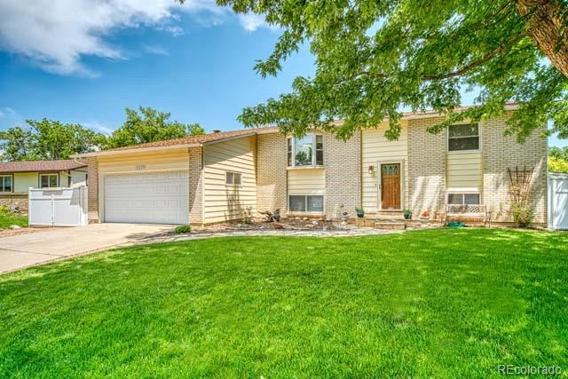 12033 W 71st Avenue, Arvada, CO 80004 (#8597732) :: The Healey Group